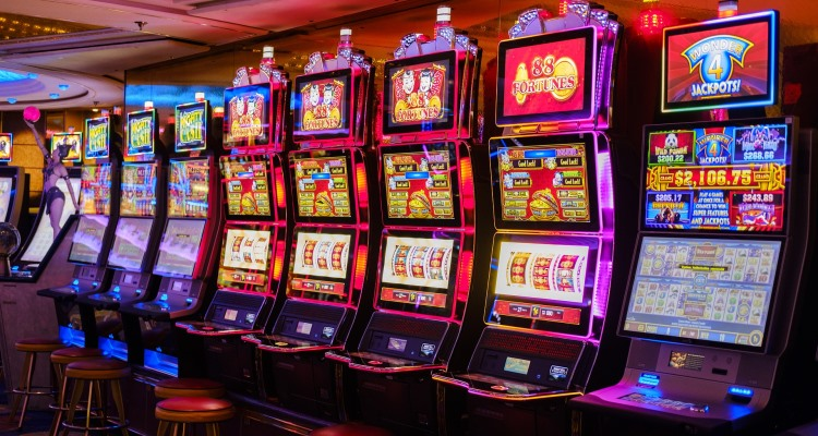 Play Casino Slot Machines for Your Good Prospect to Earn Some Big Cash
